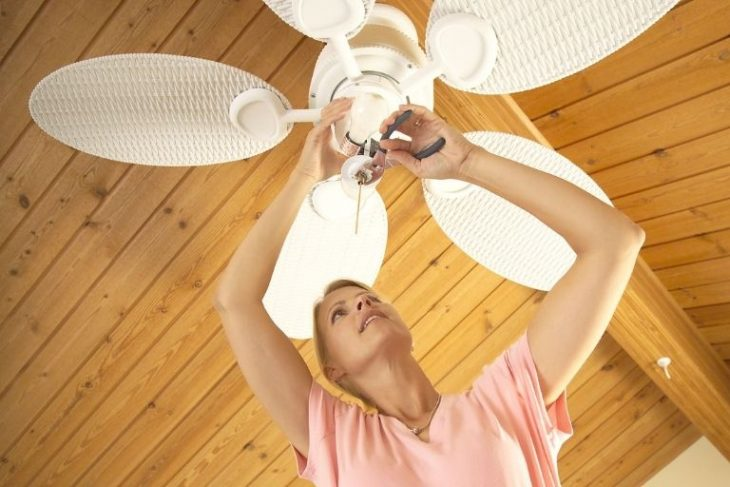 Why Is My Ceiling Fan Clicking and How to Fix it_Get Soundproofing